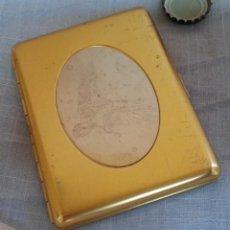 Coleccionismo: PITILLERA ANTIGUA EN METAL DORADO. PRECIOSA PIEZA.. Lote 221748141
