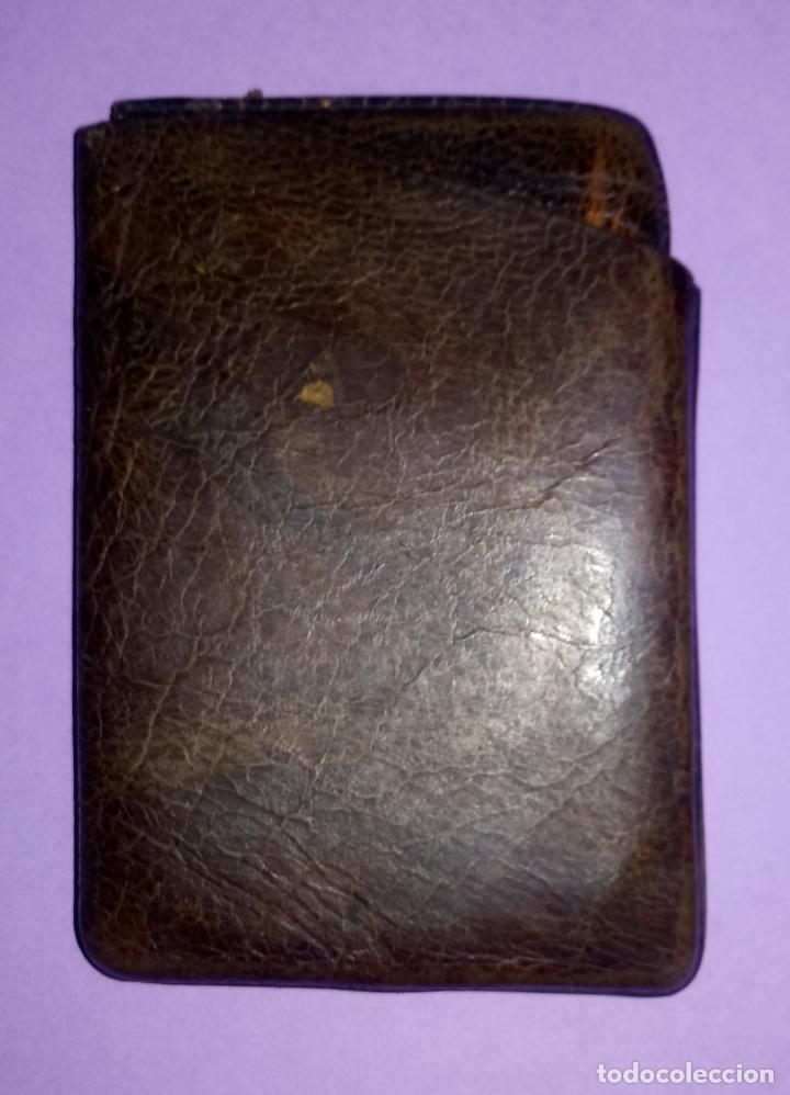 Coleccionismo: BOLSO DE PIEL - CUERO - PETACA TABACO - PITILLERA - 10 x 6.5 CMS - Foto 4 - 222306090