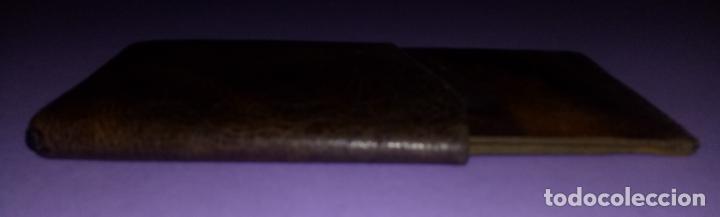 Coleccionismo: BOLSO DE PIEL - CUERO - PETACA TABACO - PITILLERA - 10 x 6.5 CMS - Foto 5 - 222306090