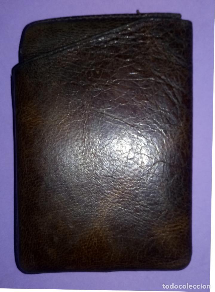 Coleccionismo: BOLSO DE PIEL - CUERO - PETACA TABACO - PITILLERA - 10 x 6.5 CMS - Foto 6 - 222306090