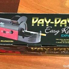 Coleccionismo: PAY-PAY - MÁQUINA DE LIAR CIGARRILLOS RELLENADOR RÁPIDO Y AUTOMÁTICO ELECTRICO. Lote 261693875