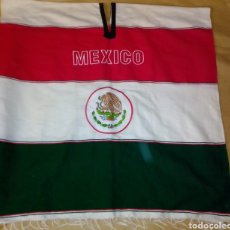 Coleccionismo: PONCHO MEXICANO/ JORONGO MEXICANO CON INSIGNIA BORDADA. Lote 230678290