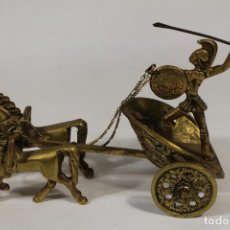 Coleccionismo: VIGA CARRUAGE ROMANO DE BRONCE. Lote 234155575