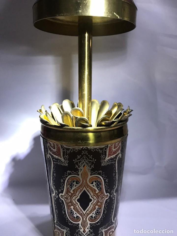 Coleccionismo: ANTIGUA CIGARRERA CON FORMA DE SIFON - Foto 4 - 235837015