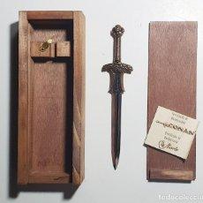 Coleccionismo: CONAN - ESPADA ATLANTEAN (16 CM) - CON CERTIFICADO ORIGINAL MARTO. Lote 237075980