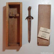 Coleccionismo: CONAN - ESPADA DEL PADRE (16 CM) - CON CERTIFICADO ORIGINAL MARTO. Lote 237076315