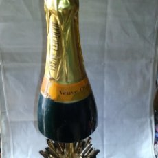 Collectionnisme: ~~~~ ANTIGUA Y ORIGINAL CIGARRERA, BOTELLA CHAMPAGNE MUSICAL, MIDE 33 X 9 CM. ~~~~. Lote 242899355