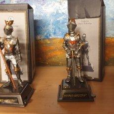 Coleccionismo: CABALLEROS DE ARMAS MEDIEVALES DE PLOMO. Lote 244455745