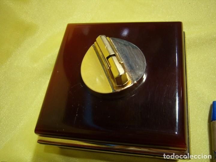 Coleccionismo: Juego fumador metraquilato marrón filo dorado, años 70, Nuevo sin usar. - Foto 3 - 247486505