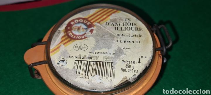 Coleccionismo: Bote de cristal vintage con etiqueta comercial en la parte superior. - Foto 3 - 262372250