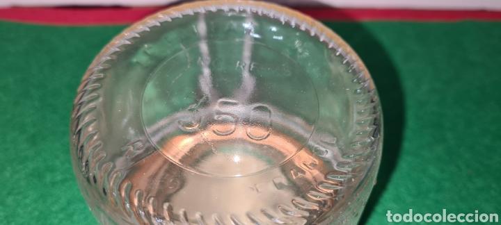 Coleccionismo: Bote de cristal vintage con etiqueta comercial en la parte superior. - Foto 4 - 262372250