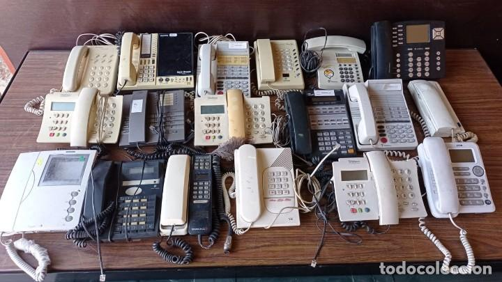 19 TELEFONOS ANTIGUOS SURTIDOS (Coleccionismo - Varios)