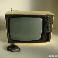 Coleccionismo: NTIGUO TELEVISOR PORTATIL TELEVISION THOMSON PARA PIEZAS RESTAURAR. Lote 267187549