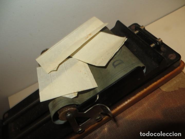 Coleccionismo: MAQUINA PARA LIAR CIGARROS TABACO MARCA DIANA EN SU CAJA MUY BUEN ETADO,BARATA - Foto 7 - 267518814