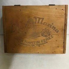 Coleccionismo: LA MARINA, JUAN MARTÍNEZ, CAJA DE TABACO. Lote 267791894