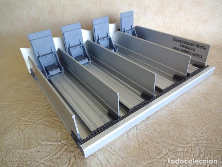 Coleccionismo: antiguo expositor cajas de tabaco don julian aluminio expendedor para estancos - Foto 7 - 268963404