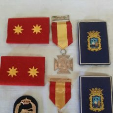 Coleccionismo: LOTE HOMBRERAS Y MEDALLAS. Lote 273719278