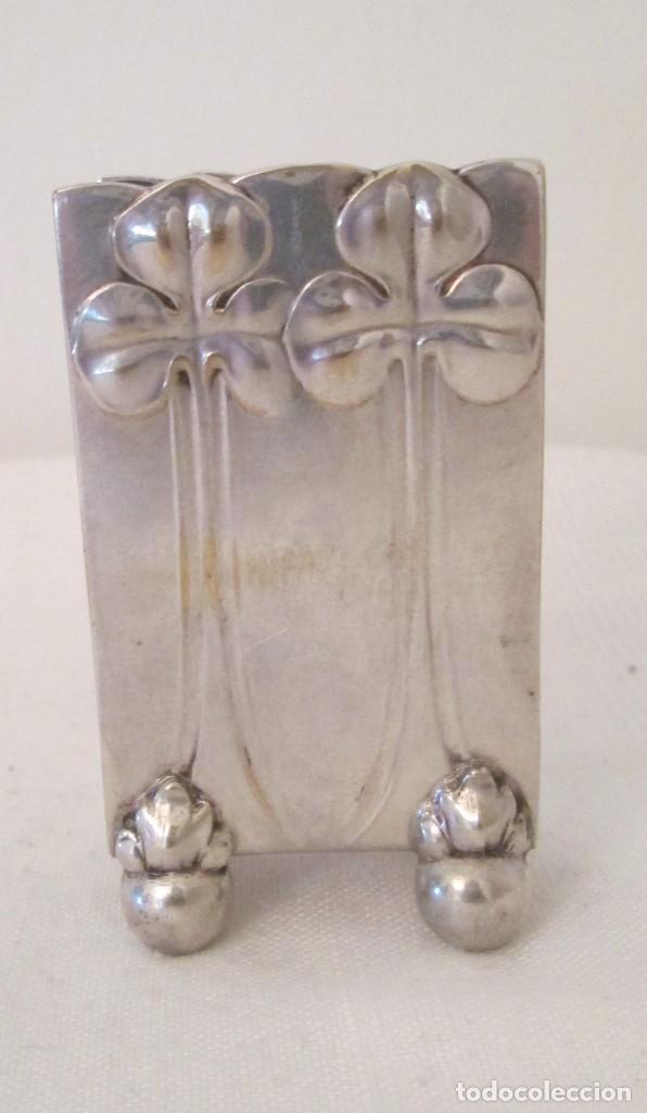 Coleccionismo: Antigua base para caja de cerillas, Modernista, en metal con baño de plata. Marcas en la base - Foto 2 - 276496298