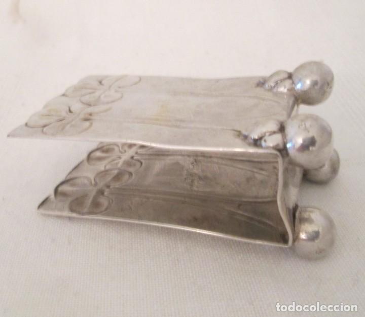 Coleccionismo: Antigua base para caja de cerillas, Modernista, en metal con baño de plata. Marcas en la base - Foto 8 - 276496298