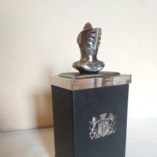 Coleccionismo: TABAQUERA CIGARRERA MUSICAL DETALLE ARMADURA MEDIEVAL. Lote 276500478