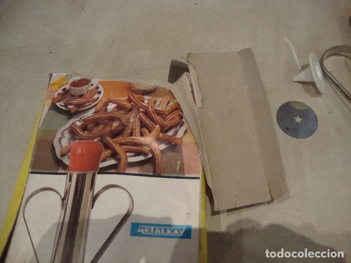 Coleccionismo: ANTIGUA CHURRERA DECORADORA METALKAY - Foto 3 - 277549698