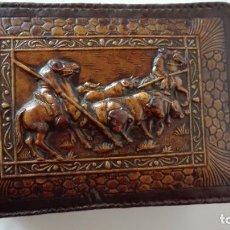 Coleccionismo: CAJA PARA TABACO EN CUERO REPUJADO. Lote 277698043