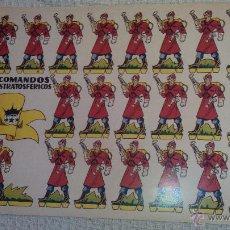 Coleccionismo Recortables: RECORTABLE COMANDOS ESTRATOSFÉRICOS. CARTULINA 49X35 CMS-IDEAL PARA POSTERS. Lote 52742763