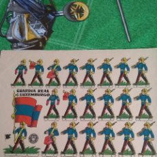 Coleccionismo Recortables: ANTIGUO RECORTABLE GUARDIA REAL DE LUXEMBURGO. Lote 294945303