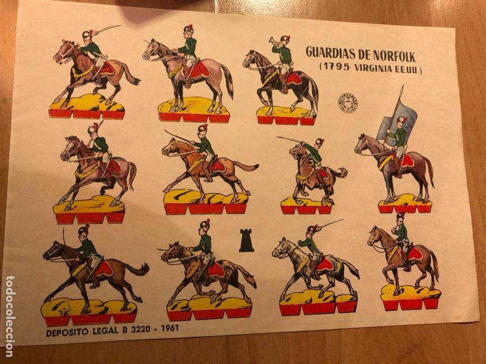 LAMINA RECORTABLES BRUGUERA 24X18 CM SOLDADOS GUARDIAS DE NORFOLK 1795 VIRGINIA EEUU (Coleccionismo - Recortables - Soldados)