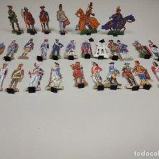 Coleccionismo Recortables: J- ANTIGUO LOTE DE SOLDADOS EN CARTON CON BASE . Lote 147184302