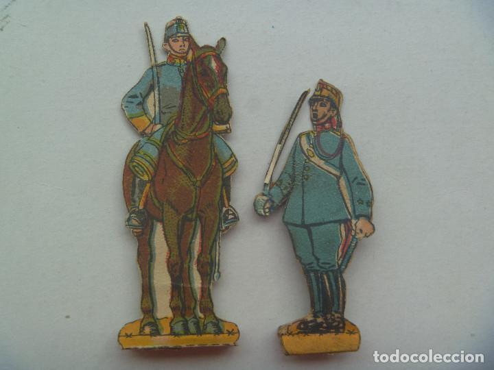 LOTE DE 2 FIGURAS DE LA CABALLERIA ESPAÑOLA . RECORTADOS Y MUY ANTIGUOS (Coleccionismo - Recortables - Soldados)