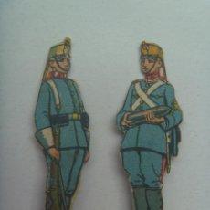 Coleccionismo Recortables: LOTE DE 2 FIGURAS DE ARTILLEROS DEL EJERCITO ESPAÑOL : ARTILLERIA . RECORTADOS Y MUY ANTIGUOS. Lote 147584558