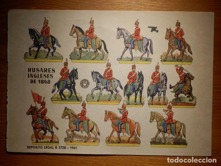 RECORTABLE - SOLDADITOS - HUSARES INGLESES DE 1868 - B-3728-1961 - 24 X 18 CM - BRUGUERA (Coleccionismo - Recortables - Soldados)