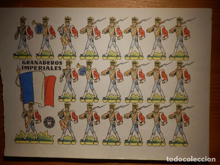 RECORTABLE - SOLDADITOS - GRANADEROS IMPERIALES - B-3728-1961 - 24 X 18 CM - BRUGUERA (Coleccionismo - Recortables - Soldados)