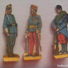 Coleccionismo Recortables: LOTE DE 3 FIGURAS DE MILITARES EJERCITO ESPAÑOL : ARTILLERIA Y INFANTERIA. RECORTADOS Y MUY ANTIGUOS. Lote 152361614