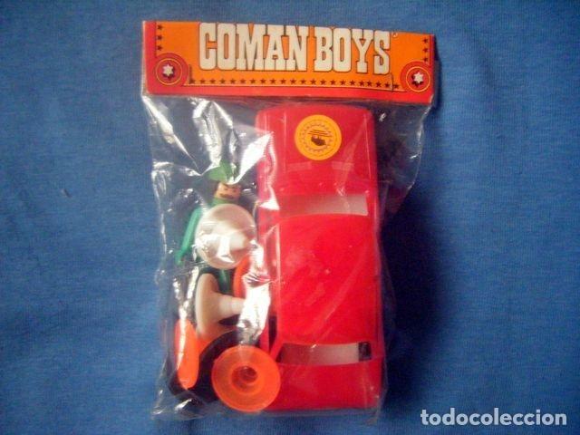 BLISTER CERRADO COMAN BOYS MECANICO ESSO CON COCHE ROJO Y SEÑALES COMANSI ORIGINAL (Juguetes - Figuras de Acción - Coman Boys)
