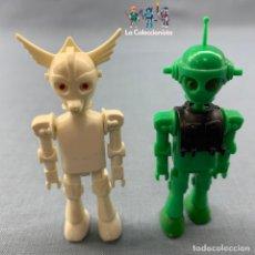 Coman Boys: LOTE DOS FIGURAS COMAN BOYS - ROBOT ESPACIALES - VERDE Y BLANCO . Lote 177461620
