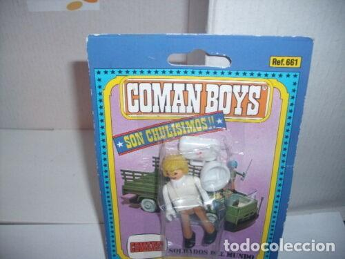 COMAN BOYS CRUZ ROJA MEDICO CON MALETIN RADIO Y CASCO ( 1970 ). (Juguetes - Figuras de Acción - Coman Boys)