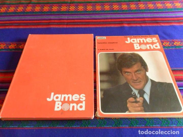 JAMES BOND VOLUMEN TOMO 1. BURU LAN 1973. REGALO RETAPADO Nº 1 A TRAVÉS DEL MURO. (Tebeos y Comics - Buru-Lan - James Bond)