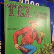 Cómics: TEX - LA CIUDAD MUERTA - NUMERO 4 - PORTADA FONDO VERDE NO AMARILLO - COMO NUEVO - 1970. Lote 33554720
