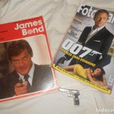 Cómics: LOTE AGENTES SECRETOS 1974 JAMES BOND CÓMIC Y SEMBLANZA, FOTOGRAMAS 007, PAUL NEWMAN, PISTOLA METAL. Lote 189776217