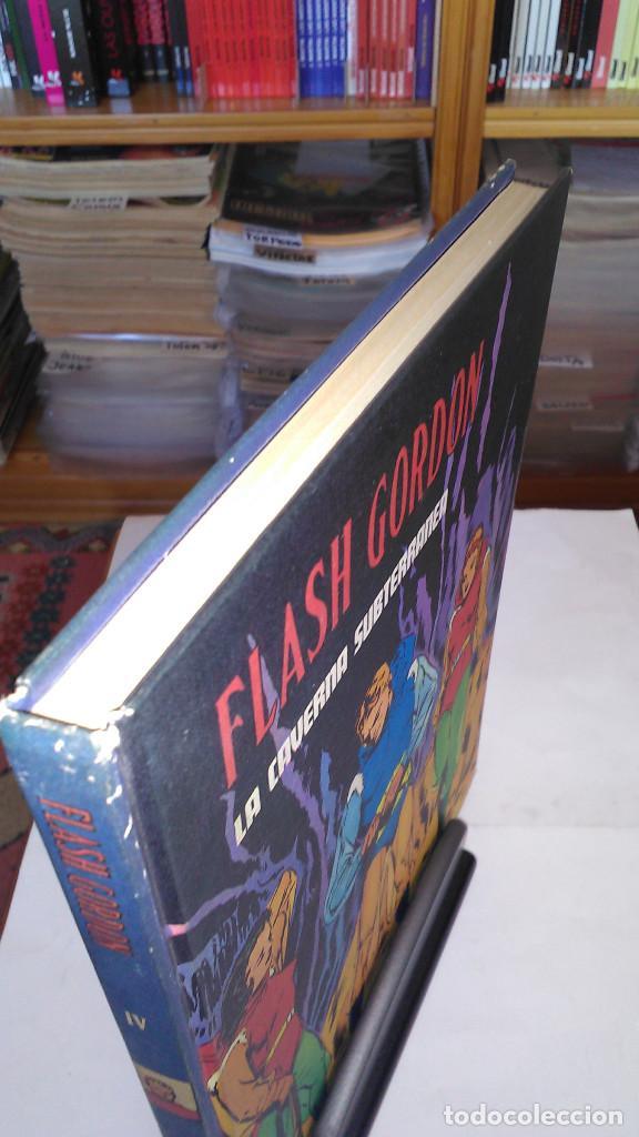 Cómics: * FLASH GORDON * TOMO IV * HEROES DEL COMIC * LA CAVERNA SUBTERRANEA * EDICIONES BURULAN 1972 * - Foto 2 - 205995002