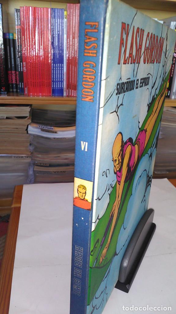 * FLASH GORDON * TOMO VI * HEROES DEL COMIC * SURCANDO EL ESPACIO * EDICIONES BURULAN 1972 * (Tebeos y Comics - Buru-Lan - Flash Gordon)