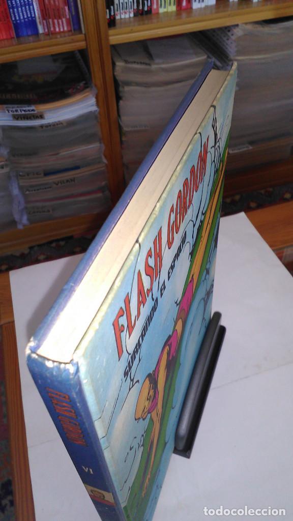 Cómics: * FLASH GORDON * TOMO VI * HEROES DEL COMIC * SURCANDO EL ESPACIO * EDICIONES BURULAN 1972 * - Foto 2 - 206116542