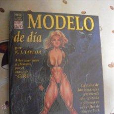 Cómics: MODELO DE DIA. Lote 40720964