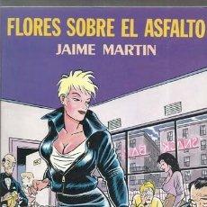 Cómics: FLORES SOBRE EL ASFALTO, 1990, LA CÚPULA, MUY BUEN ESTADO. Lote 239705695
