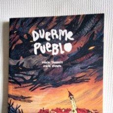 Cómics: DUERME PUEBLO -NURIA TAMARIT, XULIA VICENTE -. Lote 185961153