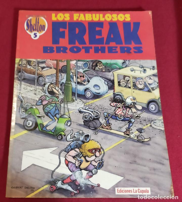 LOS FABULOSOS FREAK BROTHERS N 5 (Tebeos y Comics - La Cúpula - Comic USA)