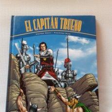 Cómics: EL CAPITÁN TRUENO: LA HORDA DE AKBAR / LAS RUINAS DE TINTAGEL (VICTOR MORA / FUENTES MAN) (2000). Lote 208129402