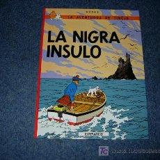 Cómics: TINTIN IDIOMAS - LA ISLA NEGRA / LA NIGRA INSULO - ESPERANTO - PRIMERA EDICION - HERGE - IDIOMA. Lote 269174493